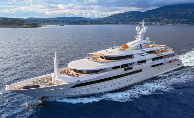 Chopi Chopi - Luxury Yacht