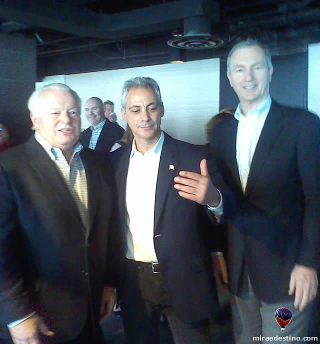 Roger Down, Rahm Emanuel e Chistopher L. Thompson